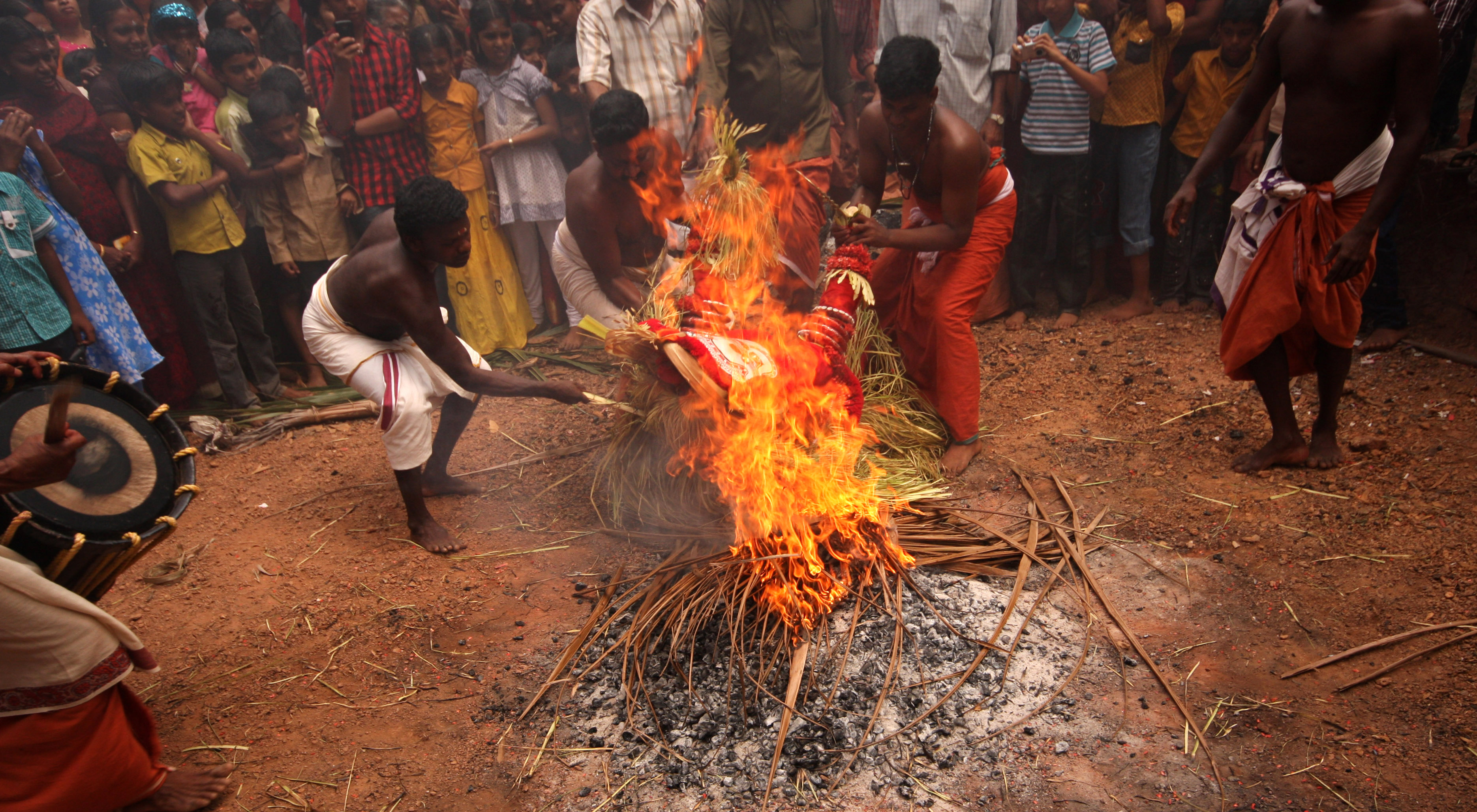 "bride burning in india The underbelly of the dowry system revolves around the treatment of brides referred to as ""bride-burning"", the act of maiming or even killing brides whose family cannot or will not meet a groom's dowry demands is a worrying practice in india."